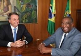 DESMENTINDO BOLSONARO: reitor afirma que ministro da Educação não tem doutorado em Rosário