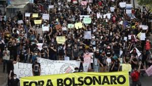 naom 5edad6c459756 300x169 - Políticos e acadêmicos apostam que economia fraca colocará povo na rua