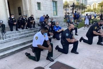 policiamiami - Polícia de Miami se ajoelha e reza em protesto contra morte de Floyd