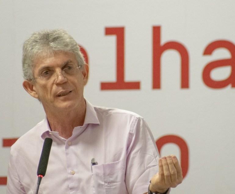 ricardocoutinho3 - Ricardo e mais três ex-governadores apoiam frente pela democracia