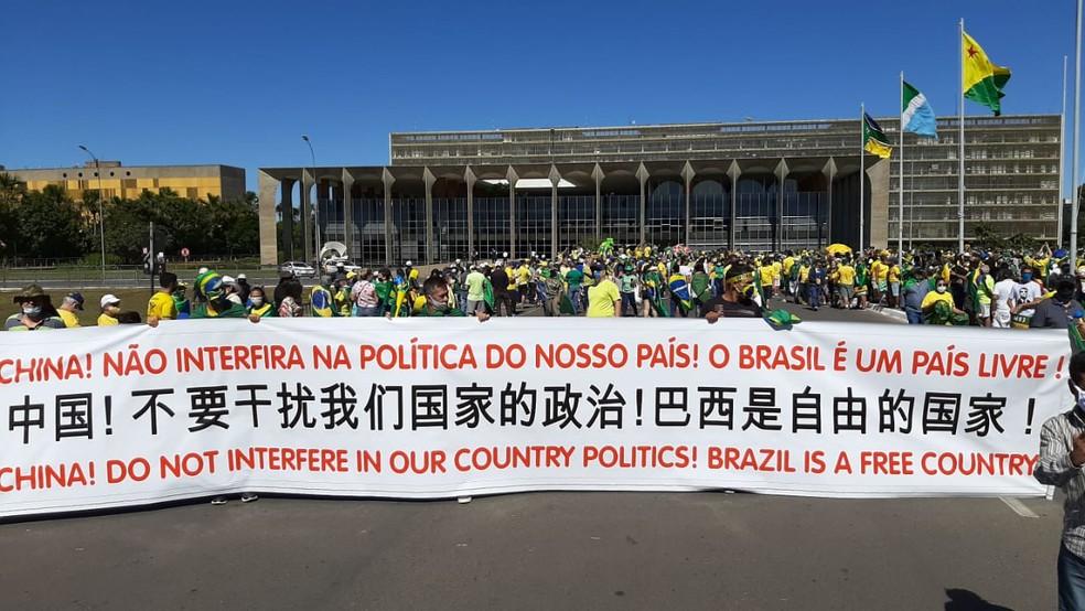 whatsapp image 2020 06 21 at 11.34.21 - Grupos contra e a favor de Bolsonaro fazem atos em Brasília; Veja imagens