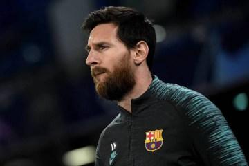 Messi marca gol de número 700 da carreira
