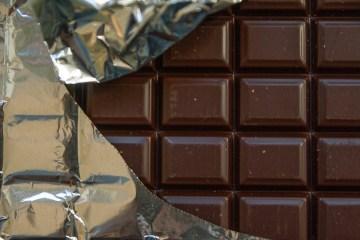 Chocolate conquista paladares, mas pediatra alerta que doce deve ser evitado por crianças