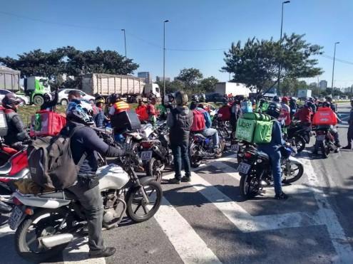 Capturaru - Motoboys de delivery prometem adesão de 50% da categoria em greve nesta quarta-feira