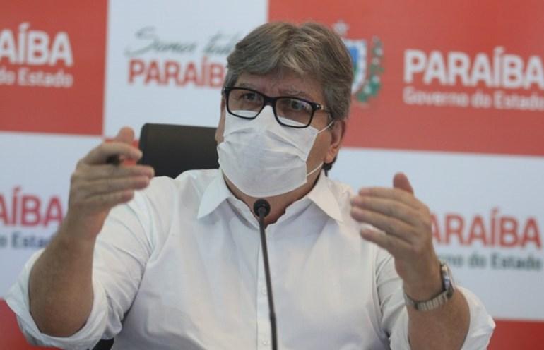 João Azevêdo - João Azevêdo comemora aprovação de vacinas: 'grande vitória da ciência e do SUS'