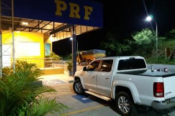 Caminhonete roubada há uma semana em Pernambuco foi recuperada pela PRF na Paraíba