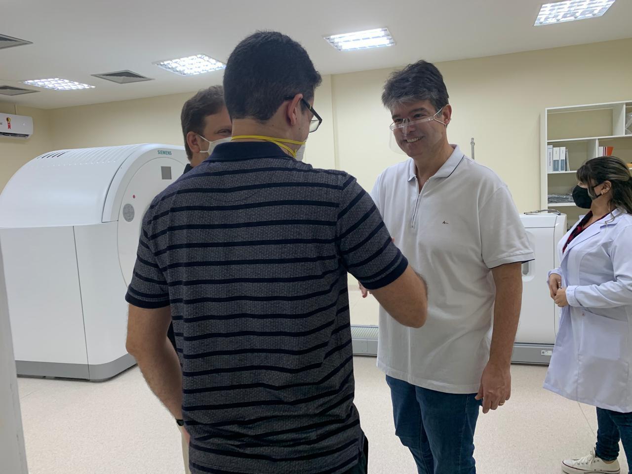 WhatsApp Image 2020 07 29 at 15.12.06 - Ruy faz visita técnica a nova ala de quimioterapia que ajudou a construir no Napoleão Laureano