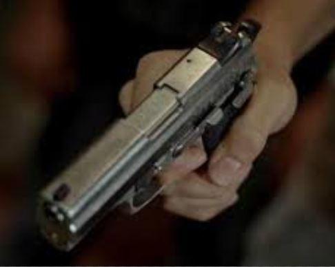 arma - CRIME: Vigilante é morto a tiros no Valentina de Figueiredo, em João Pessoa
