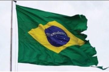 bandeira - Alicerçada na mentira, a República precisa ser reconstruída - Por Rui Leitão