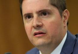 Decreto que prorroga redução de salário deve sair nos próximos dias, diz secretário