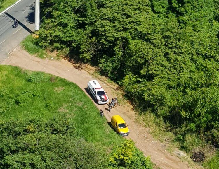 e07d585a 9cf4 43e6 87a5 9e04fbef22b1 e1593894227803 - Com auxílio do helicóptero Acauã, PM recupera carro roubado no Bessa e procura suspeitos; VEJA VÍDEO