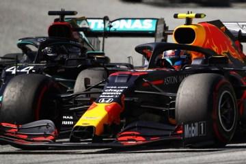 Hamilton nega qualquer problema com Albon após tirar o piloto do pódio em duas corridas