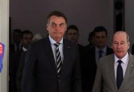 Deputados querem convocar Ministro da Defesa após Exército se calar sobre produção de cloroquina