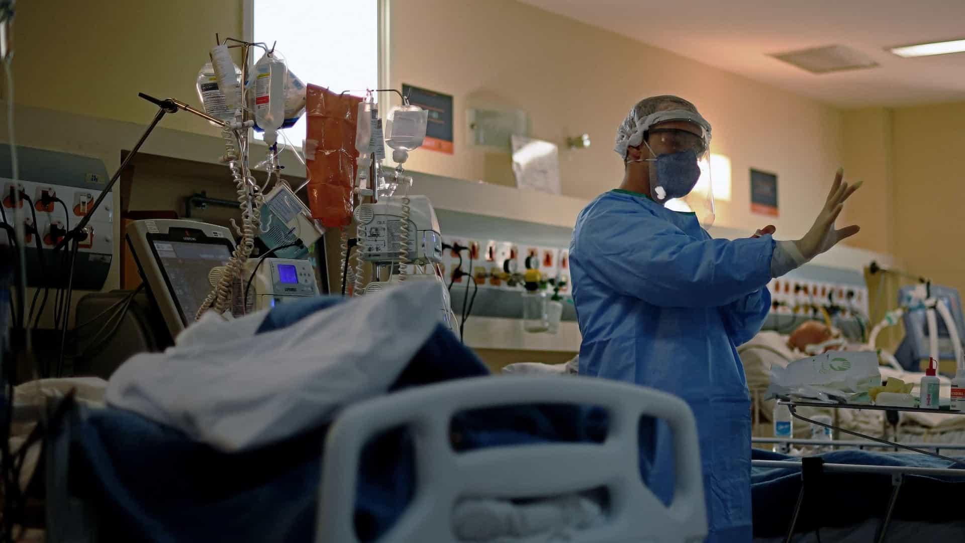 naom 5f0ed700188af - A DOENÇA CONTINUA A CRESCER: medo da Covid-19 está desaparecendo, diz pneumologista