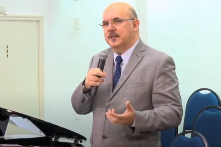 pastor milton ribeiro 2 - MEC se reúne com reitores para discutir portaria que determina volta às aulas nas universidades