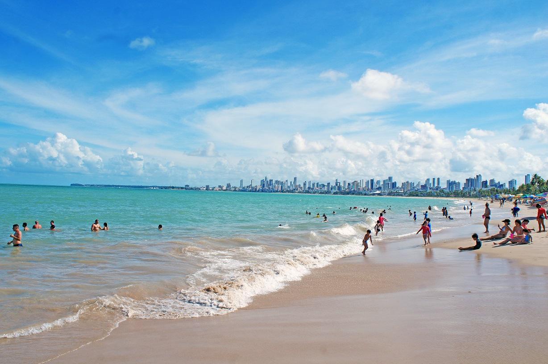 praia site - Banhos de mar e atividades na areia da praia permanecem proibidos em João Pessoa