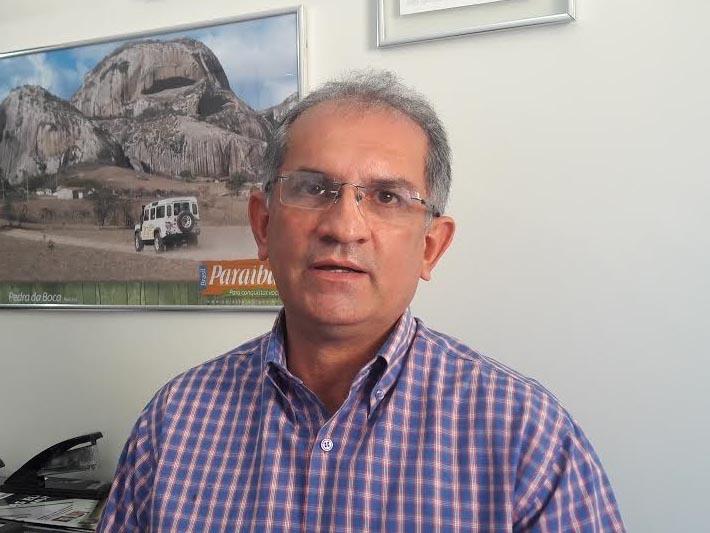 prefeito de araruna fala sobre unificacao das eleicoes e destaca turismo na cidade1558993325 - Auditoria do TCE aponta superfaturamento em compra de lavatórios portáteis com suporte de álcool em gel em Araruna