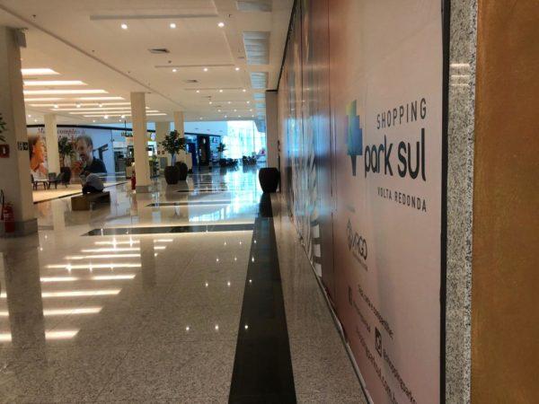 ps1 600x450 1 - Com shoppings vazios, comerciantes abrem lojas para faturar R$ 50 por dia