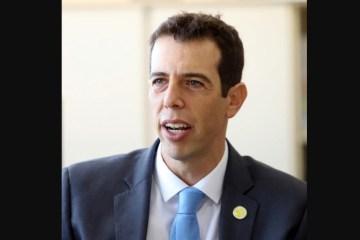 renato feder secretario de educacao do parana 1593008852420 v2 900x506 - Olavistas e militares fazem pressão para Bolsonaro desistir de Feder para o MEC