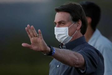 reuters jair bolsonaro palacio do alvorada 1500 21072020082118414 - COVID-19: Bolsonaro libera nesta quinta quase R$ 2 bilhões para vacina