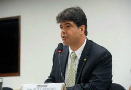 'Lançar a cunhada para tentar manipular a prefeitura é um desrespeito com João Pessoa', diz Ruy Carneiro