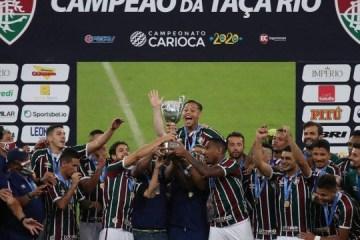 HOMENAGEM AOS PROFISSIONAIS DE SAÚDE: médico do Fluminense é convidado para levantar a Taça Rio