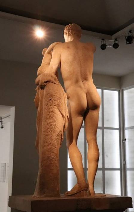 xblog bum 3.jpg.pagespeed.ic .OXERLbxbQf - Museus disputam título de escultura com o melhor bumbum