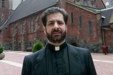 Padre acusado de desviar dinheiro de paróquia para sexo é encontrado morto