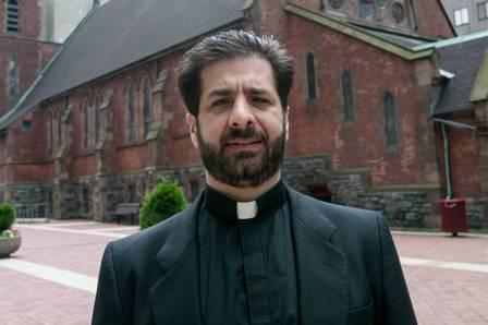 xblog peter.jpg.pagespeed.ic .Nj7m0hzIwJ - Padre acusado de desviar dinheiro de paróquia para sexo é encontrado morto