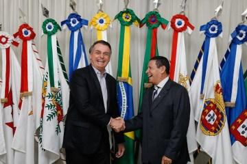 42rpbu03euz4poznqrlemiyt2 - Auxílio emergencial deu popularidade a Bolsonaro, diz Mourão