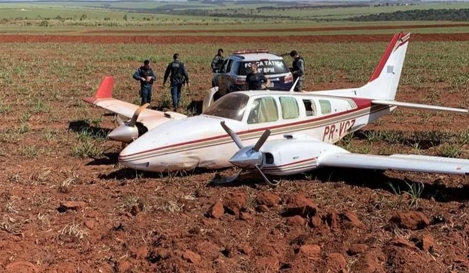 Capturargdnd - PF e FAB apreendem mais de 1 tonelada de cocaína em avião; Dois pilotos foram presos