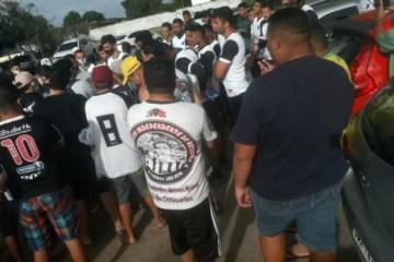 REVOLTADOS: torcedores do Botafogo-PB invadem Maravilha do Contorno após derrota no Campeonato Paraibano – VEJA VÍDEO