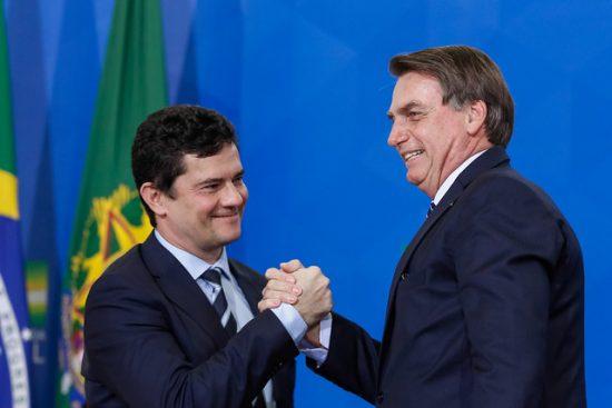 Moro e Bolsonaro 550x367 1 - 'Tem presidente em Brasília?', diz Moro criticando a demora para o início da vacinação no país