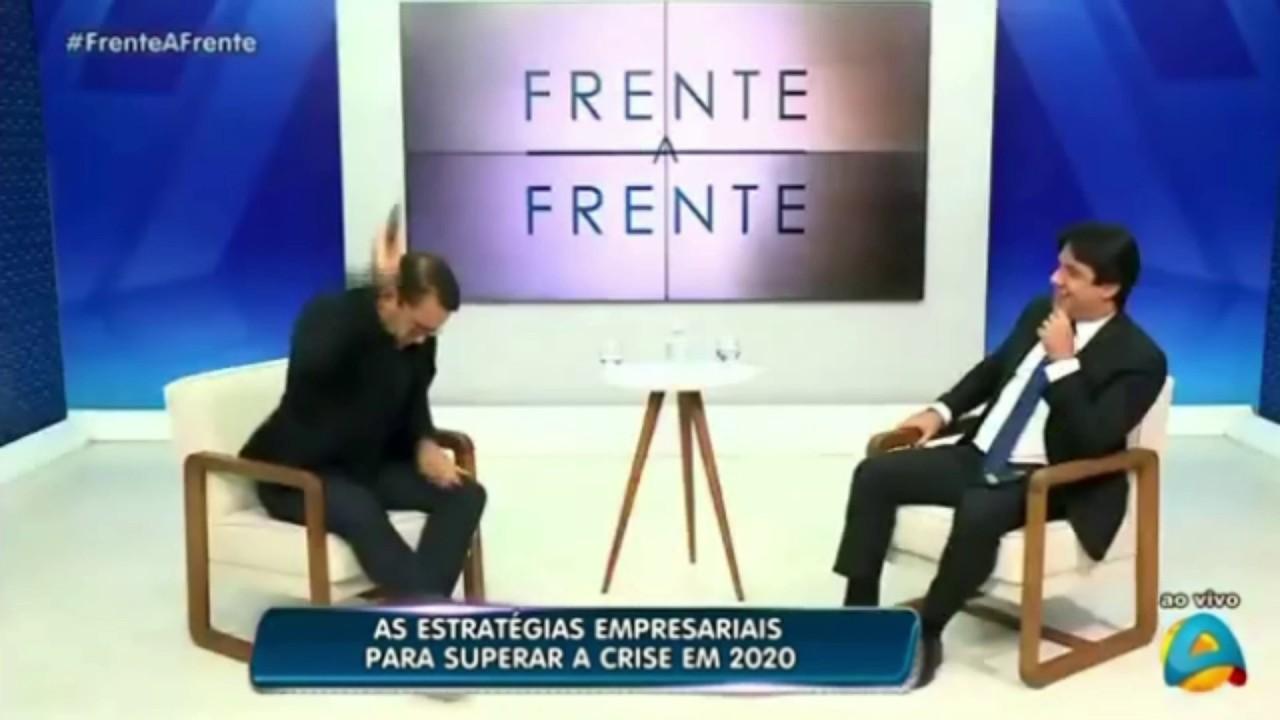 NARCISO DOIDEIRA 1 - DOIDEIRA: Empresário atira no chão celular que tocou ao vivo durante entrevista na TV - VEJA VÍDEO