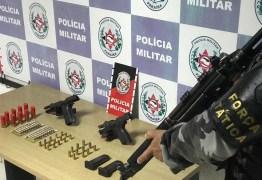 Polícia apreende armas e munições durante ação de combate ao tráfico e homicídios dentro de comunidade de João Pessoa