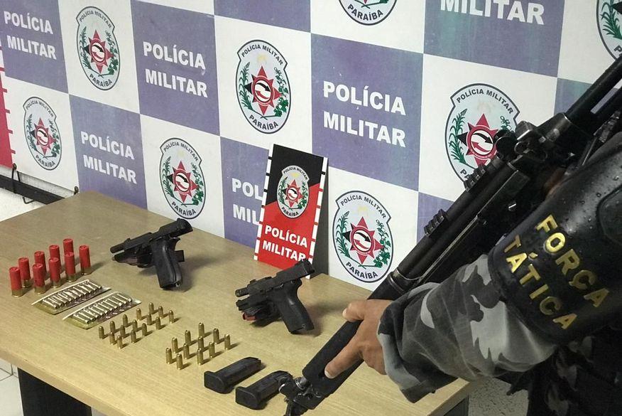 apreensao aratu - Polícia apreende armas e munições durante ação de combate ao tráfico e homicídios dentro de comunidade de João Pessoa