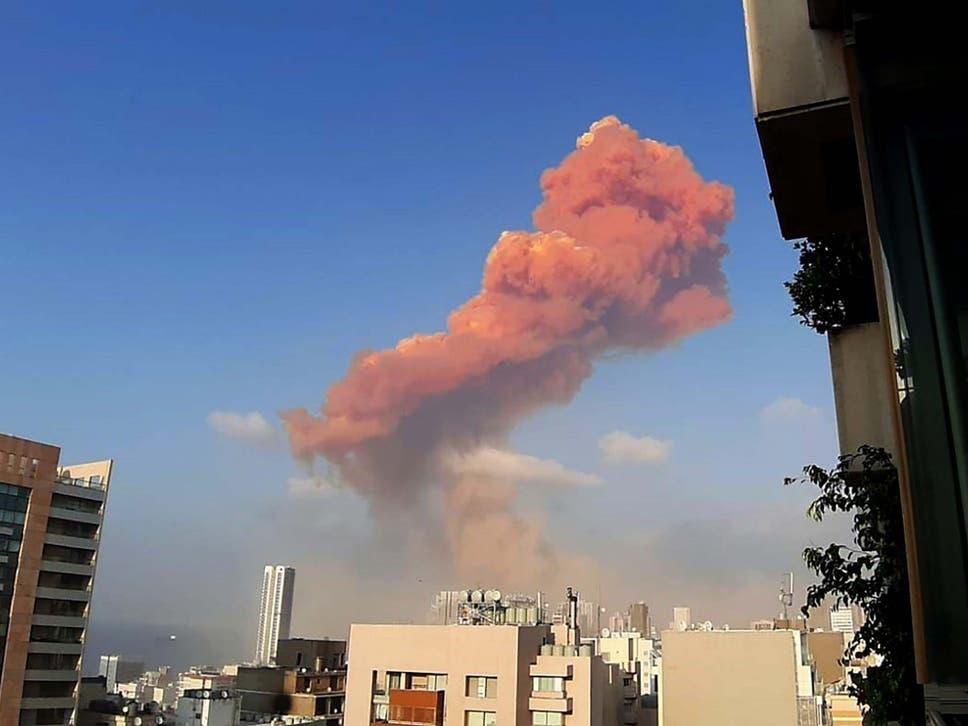 Grande explosão é registrada no porto da capital do Líbano
