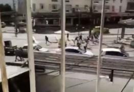 CONFRONTO: Torcedores de Botafogo e Fluminense brigam antes de amistoso – VEJA VÍDEO