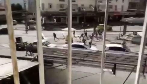brig - CONFRONTO: Torcedores de Botafogo e Fluminense brigam antes de amistoso - VEJA VÍDEO