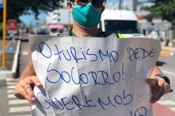 c37f8c9d ceae 497f 94e5 3e21215b4eda 1 - Profissionais da área do turismo protestam em João Pessoa; VEJA VÍDEO