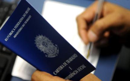 carteira - Paraíba registra em setembro 200 mil desempregados, diz IBGE