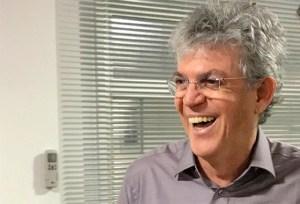 ricardo  300x204 - TSE emite certidão que comprova que Ricardo Coutinho não tem pendências com a Justiça Eleitoral - VEJA DOCUMENTO