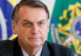 Bolsonaro critica medidas nos estados e municípios que mantêm escolas fechadas
