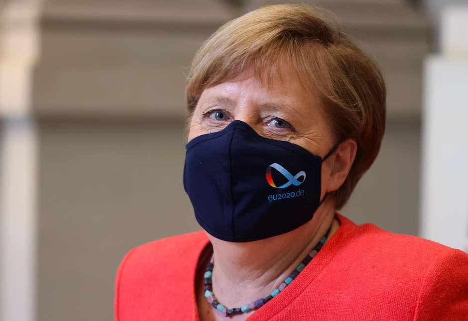 2020 09 29T151755Z 1 LYNXMPEG8S1T5 RTROPTP 4 SAUDE CORONA ALEMANHA MASCARA MERKEL - Governo de Merkel quer regras mais duras para festas para conter vírus