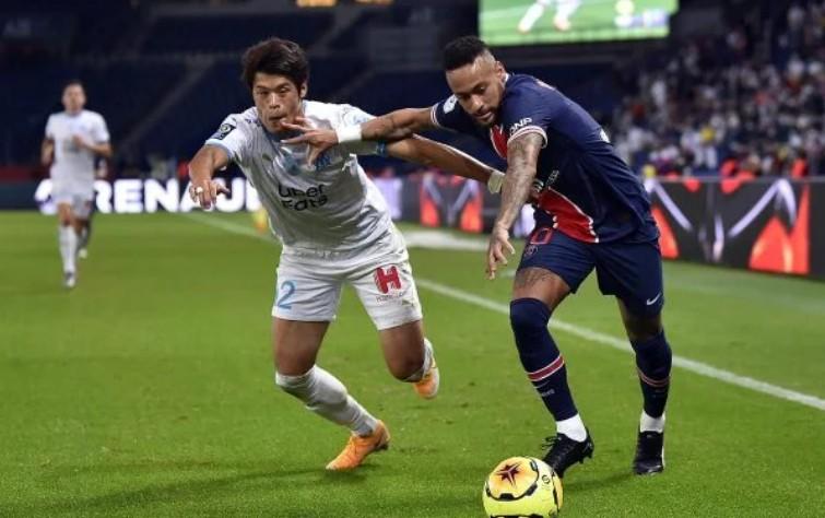 Neymar chama atleta japonês do Olympique de
