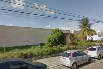 Sem-tetos ocupam prédio antigo e abandonado do Jornal O Norte
