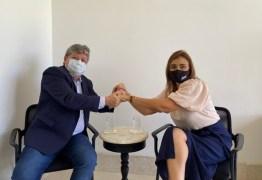 João Azevêdo - ESTRATÉGIAS DE JOÃO AZEVÊDO: candidatos de partidos diferentes na Capital e em Campina - por Nonato Guedes