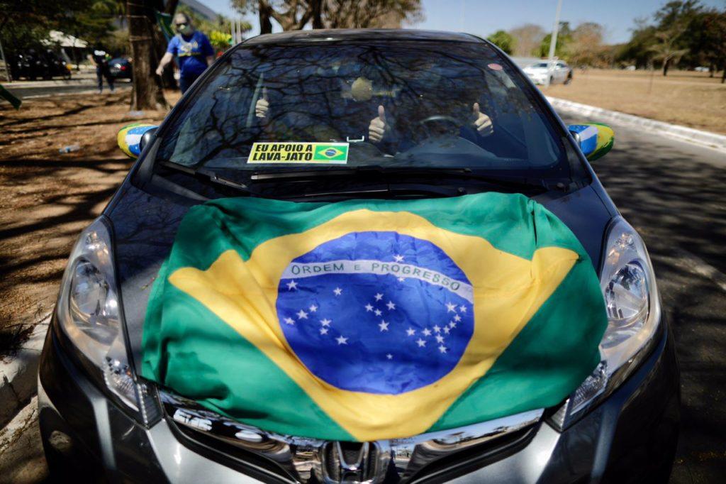 Lava Jato - Manifestantes realizam carreata pró-Lava Jato em Brasília