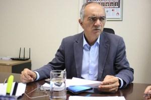 agamenon vieira walla santos 17 300x200 - Detran: motoristas com documentos vencidos não serão multados