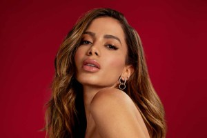 anitta95 300x200 - Após crítica de Constantino, Anitta rebate: 'Alívio não ter o seu respeito'
